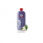 Shiny white shampoo